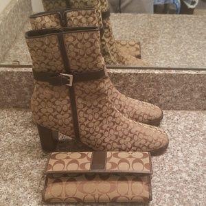 Coach logo boots and wallet bundle. Size 10.5